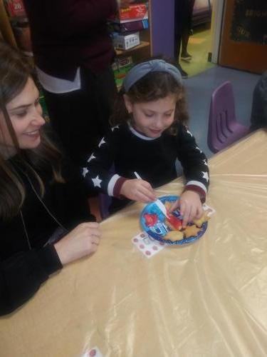 Chanukah Party with Mommies